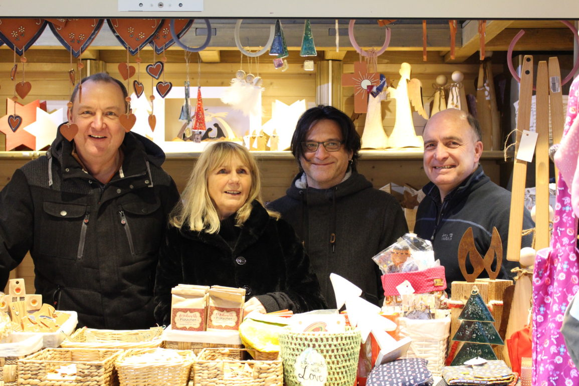 Caritas-Stand am Weihnachtsmarkt